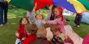 Billedet viser børn der leger
