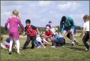 dette er et billede af børn der leger